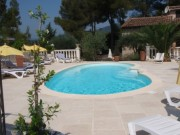 PEYMEINADE joli gîte piscine jardin barbecue calme