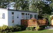 Location d'un Mobil home dans un camping 5 étoiles avec parc de loisirs.